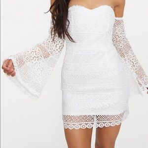 Pretty Little Thing Lace Flare Sleve Dress